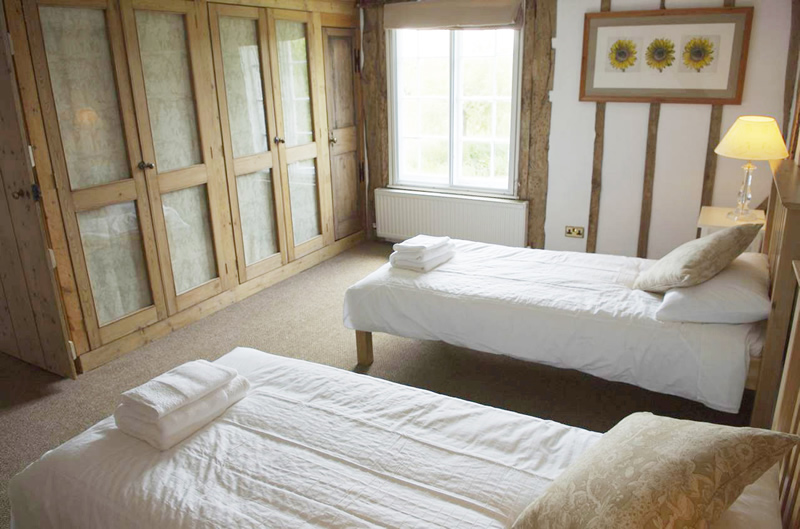 FarmHouse bedrooms and bathrooms
